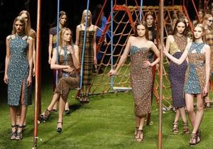 Фотогалерея: Недетская мода. В Милан пришли весна и лето-2011