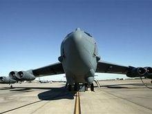 Два члена экипажа разбившегося у острова Гуам бомбардировщика B-52 погибли