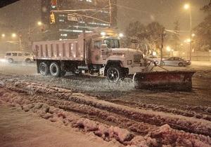 За первые восемь часов снегопада в Нью-Йорке выпало более трети месячной нормы осадков