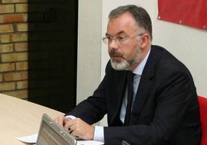 Табачник заявил, что Минобразования  выжжено дотла