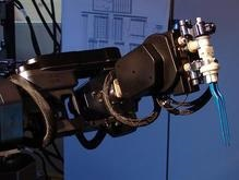 Робот-хирург впервые совершил сложную операцию