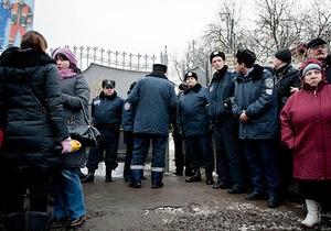 Во время визита журналистов в колонию Власенко заперли в одном помещении с Тимошенко