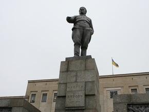 Корреспондент: Власти Кировограда пытаются решить экономические проблемы переименованием города