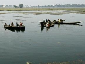 В Индии перевернулась лодка с детьми: восемь школьников утонули
