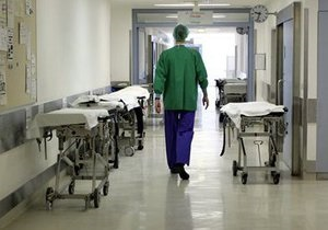 Киевские врачи на новогодние праздники будут работать круглосуточно