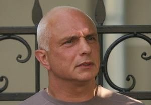 Муж Тимошенко утверждает, что  сверху  разрешили брать анализы у его жены только врачам МОЗ