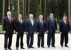Лидеры стран СНГ поздравили ветеранов с Днем Победы