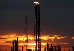 ЗН: Украинским НПЗ предлагают платить три вида пошлины на импортную нефть
