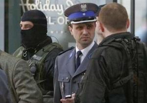 В Польше по дороге в банк похищены почти два миллиона долларов