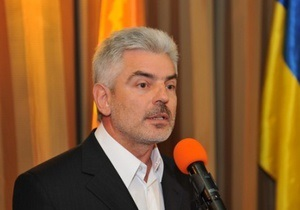 Один депутат от НУ-НС сложил свои полномочия, еще двое - перешли в Партию регионов