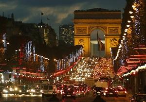 Европейские столицы зажгли новогодние иллюминации