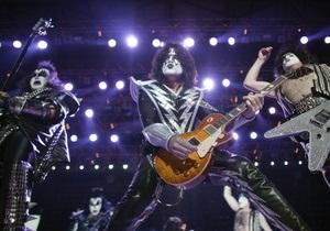 Kiss и Motley Crue отправятся в совместный тур по США