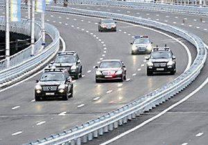 ГАИ напомнила водителям, как себя вести, увидев кортеж Януковича