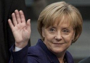 Ангеле Меркель повысили зарплату