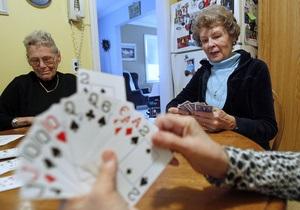 Пожилые люди чаще становятся жертвами мошенников из-за ослабленной интуиции - мошенники