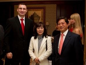 Samsung Electronics поддержал инициативу Фонда братьев Кличко