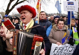 Литовские депутаты со второй попытки приняли закон о сокращении размера пенсий
