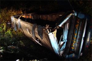 В Сумской области перевернулся автобус, один человек погиб, трое травмированы