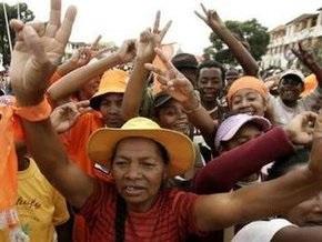 Президент Мадагаскара обсудил с ООН возможность военной помощи против оппозиции