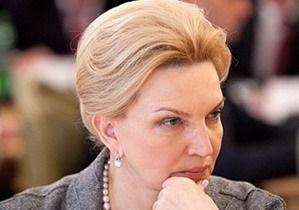 Богатырева приняла пациента в районной поликлинике