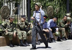 В Джалал-Абад ввели внутренние войска и спецназ