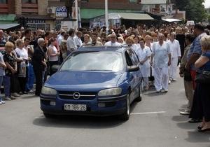 В Косово в толпу митингующих сербов бросили бомбу