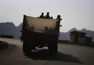Террористы напали на конвои НАТО в Пакистане: 16 погибших