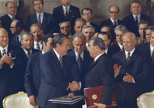 Би-би-си: Никсон в Москве. Почему провалилась политика  разрядки