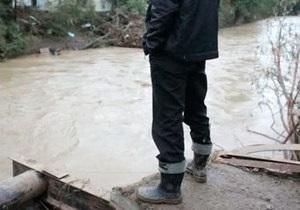 Наводнение на Кубани: полицейский на лодке погиб, столкнувшись с мощной волной
