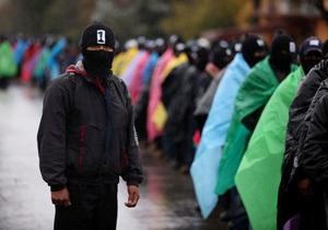 В день  конца света  десятки тысяч мексиканских повстанцев вышли на протесты при полном молчании