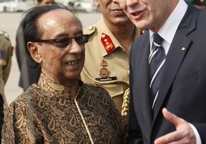 Президент Бангладеш Зиллур Рахман скончался в Сингапуре