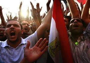 В Каире митингующие требуют ужесточения приговора Мубараку