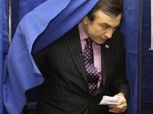 Exit-polls: Партия Саакашвили набирает 63,2% на парламентских выборах