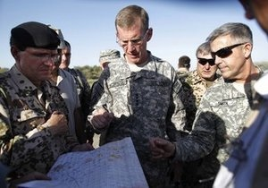 НАТО: Операция в Афганистане продолжится без задержек