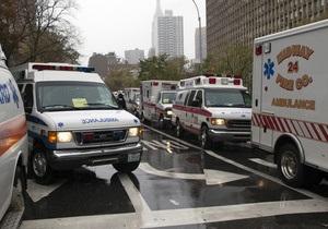 Десятки человек эвакуированы в Нью-Йорке из-за обвала стены