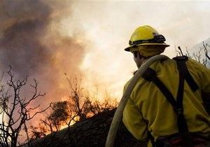 В США возле космодрома на мысе Канаверал бушует лесной пожар