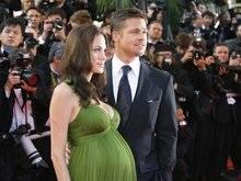 Фотографии близнецов Джоли оценили в 15 миллионов долларов