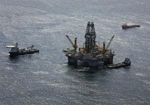 Шторм Бонни, угрожающий ликвидации утечки нефти, ослаб до урагана