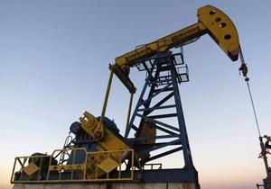 Нефть держится в районе $107 за баррель
