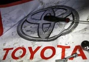 Toyota приостанавливает производство двух гибридных моделей