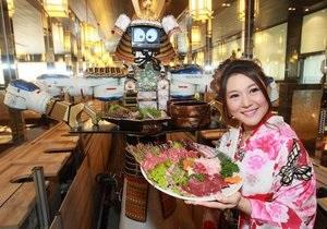 Официанты-роботы и пустые тарелки. Обзор самых необычных ресторанов мира