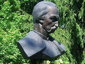 В Полтаве ко Дню Независимости установят памятник Мазепе