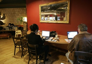 Преодолеть творческий кризис поможет шум в кафе - исследование