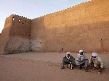 В Алжире в результате взрыва фугаса погиб офицер