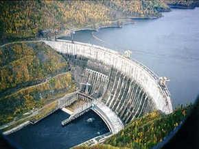 Возросло число погибших при аварии на российской ГЭС. В Сибири начали отключать электричество