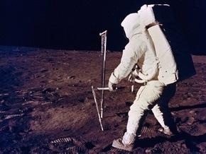 NASA транслирует видеозапись первых шагов человека на Луне