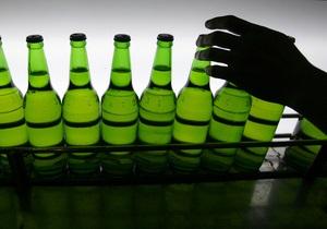 В Киеве мужчина, угрожая бутылкой с пивом, пытался ограбить ювелирный магазин