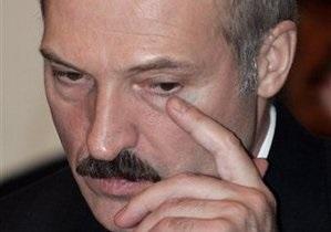 Нас воспринимают как дикарей: Лукашенко стыдно за народ, создавший в стране ажиотаж