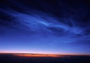 Метеорный дым: Ученые выяснили причину появления серебристых облаков