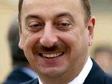Президент Азербайджана требует убрать его портреты с улиц